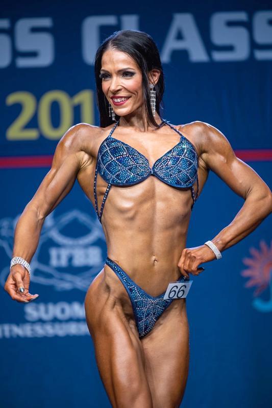 Kaustislainen Karoliina Skantsi voitti sunnuntaina Helsingin kulttuuritalolla järjestetyssä Fitness classic 2019 -tapahtumassa Body Fittness -kilpailun 163-senttisten sarjan.