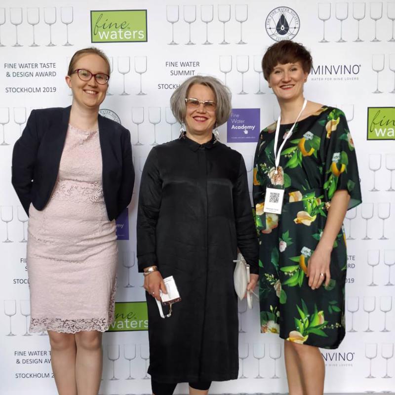 Finn Springin Minttu Ryytty, Virpi Ali-Haapala ja Iida Nylander olivat vastaanottamassa palkintoja.