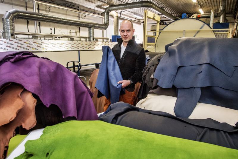 Kokkolan Nahka Oy:llä on ollut vientiä jo parikymmentä vuotta, mutta uuden vientihankkeen avulla on tarkoitus tuplata Japanin vienti viidessä vuodessa. Yrittäjä Juha Örnbergin mukaan kotimaan markkinat ovat hyvin rajalliset, joten peräti 80 prosenttia yrityksen tuotteista päätyy ulkomaille.