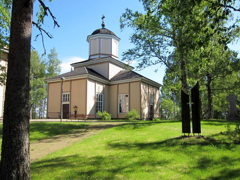 Halsuan seurakunta saa uudessa paikkajaossa kolme paikkaa yhteisessä kirkkovaltuustossa. Kuvassa Halsuan kirkko.