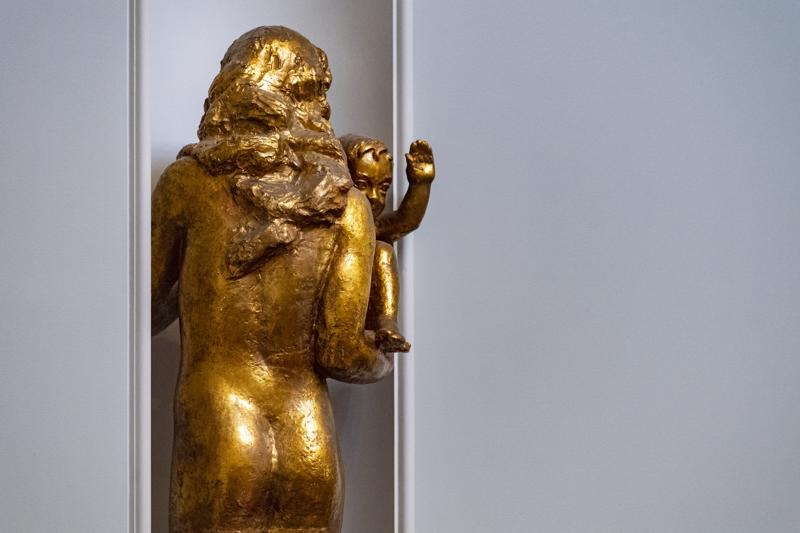 Wäinö Aaltosen upeat veistokset on uudelleen kullattuja. Eikä sitä kultauksen taivutusmuotoja passaa mielessään pyöritellä.