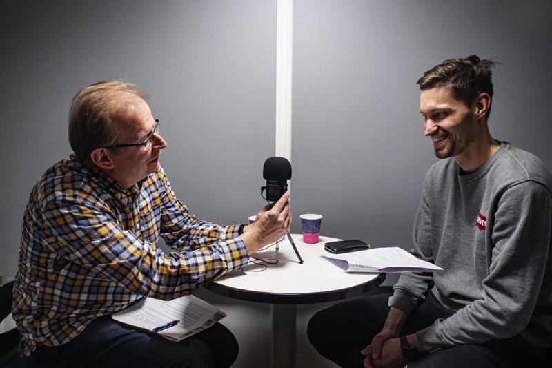 Keparin kulmalla-podcastissa Juha Savela (vas.) ja Henri Myntti arvioivat KPV:n esityksiä Veikkausliigassa.