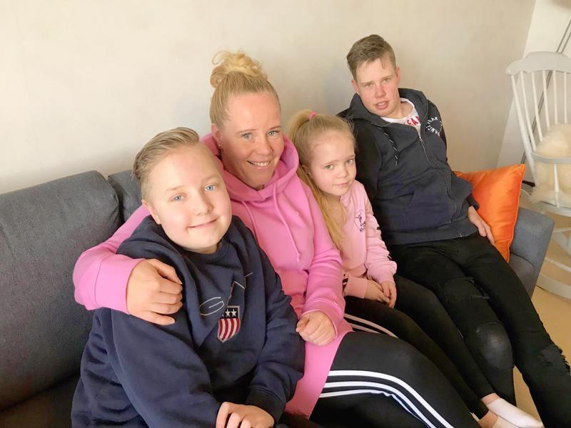 Jaakko, Kirsi, Jenny ja Juho ovat urheiluihmisiä - harrastus sopii myös erityislapsille hyvin.