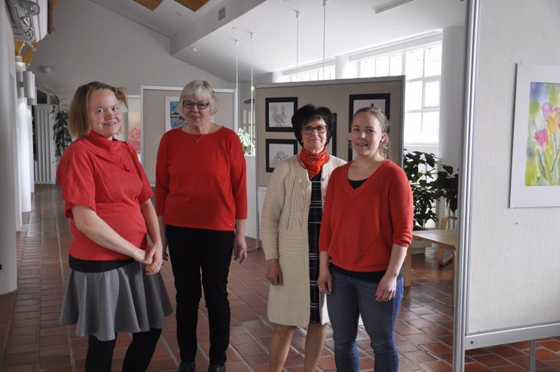 Tekijöitä. Mervi Puoliväli, Hilkka Nikki, Kaarina Hautamäki ja Jenna Nuorala.