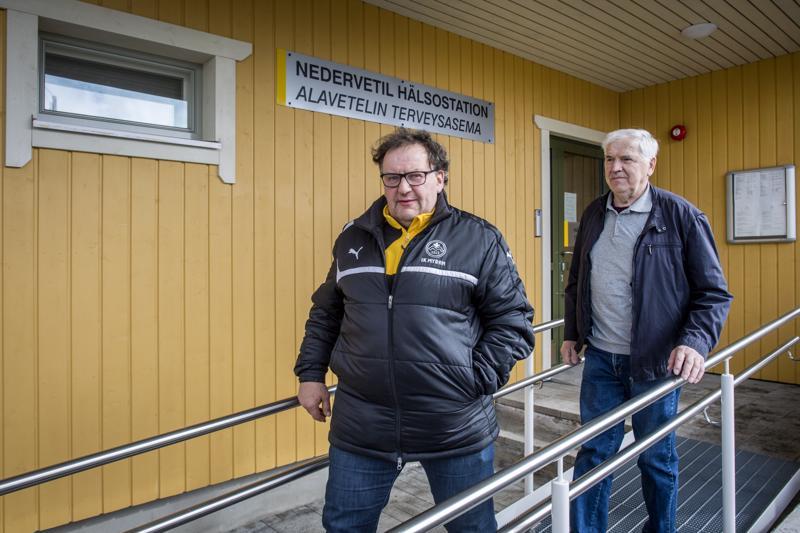 Pro Kruunupyy-ryhmän alaveteliläiset kunnallispoliitikot Tapani Myllymäki ja Carl-Johan Enroth pystyvät elämään Soiten säästöohjelman kanssa. Lääkäripalvelut säilyvät Alavetelissä.