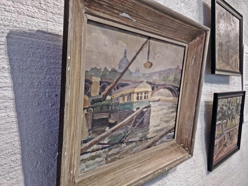 Pariisista Seine, kuja ja terassi (öljy). Teokset syntyivät Karin Sidorowin tekemällä opintomatkalla Ranskaan ja Italiaan kesällä 1925.