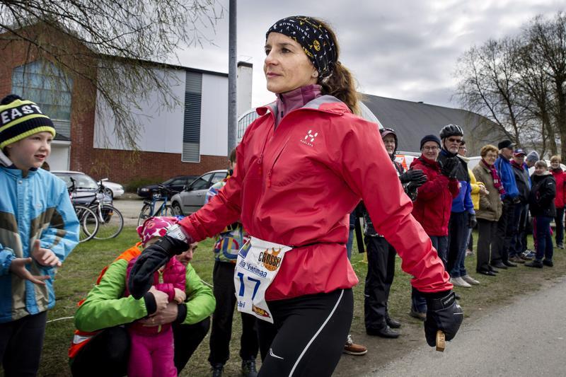 Kokkolalainen Milla Vierimaa on edennyt juosten ja kävellen enimmillään reilut 204 kilometriä vuorokaudessa.