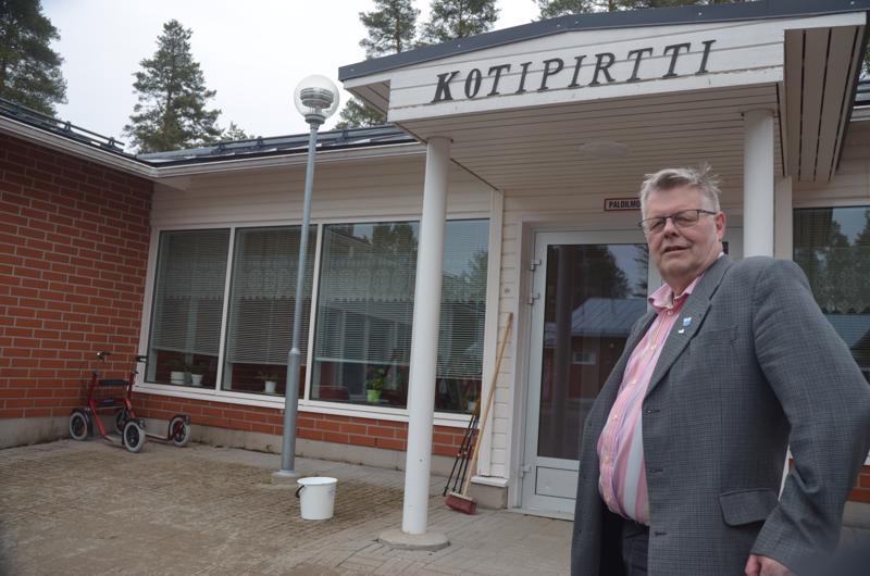 Hajalle. Kotipirtin tulevaisuus vaakalaudalla. Lestijärven kunnanjohtaja Esko Ahonen sanoo, että Soite on repimässä päätöksillään maakunnan.