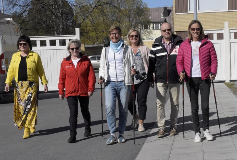 Gunvor Sarelin-Sjöblom, Tove Jansson, Solveig Granholm, Inger Gripenberg, Conny Englund ja Marja Eriksson kuuluvat Voimaa vanhuuteen-ohjelman Pietarsaaren ohjausryhmään..