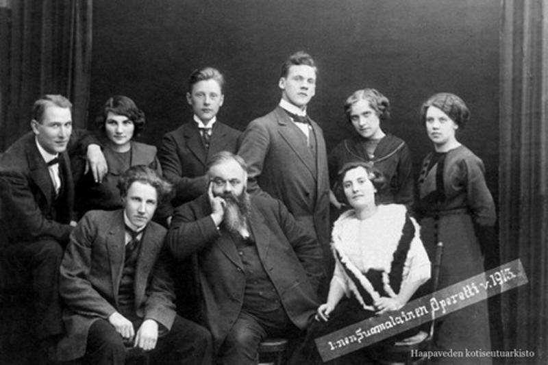 Pasi Jääskeläisen perustama Suomalainen Operetti -teatteriseurue oli suomenkielisen teatterin tienraivaajia. Pasin 150-vuotisjuhlaa vietetään ensi kesänä hänen kotipaikkakunnallaan Haapavedellä.