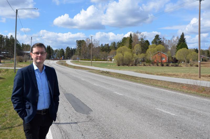 Kaustisen seutukunnan kehittämisjohtaja Petri Jylhä toivoo alueelle järkevästi järjestettyjä kyytipalveluita.