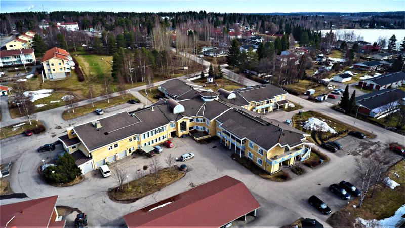 Attendo ilmoitti viime viikolla, että se keskeyttää neuvottelu Haapaveden kaupungin kanssa vanhusten asumispalveluitten yksityistämisestä.