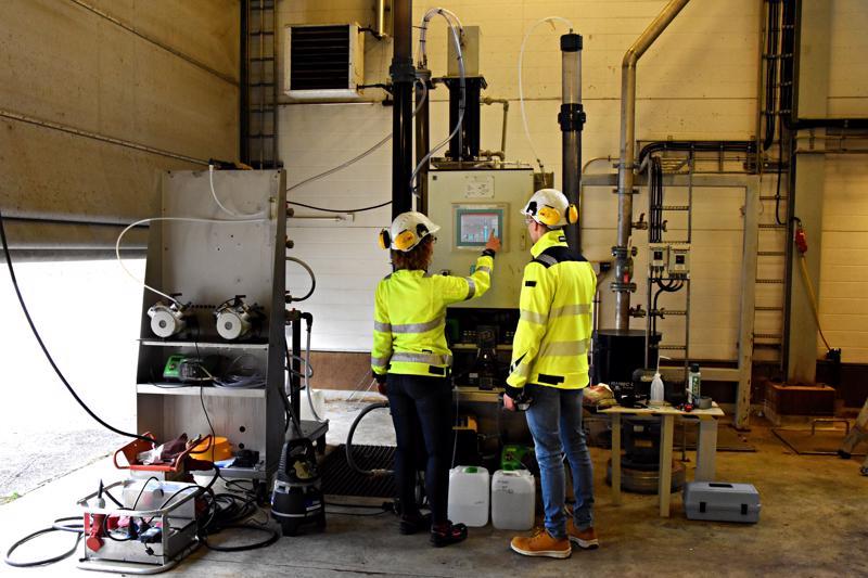 Pilottilaitteella aletaan huomenna testata etanolin valmistusprosessissa syntyneen jäteveden puhditamista. Puhdistusprosessissa syntyy metaania, joka kerätään energiakäyttöön.