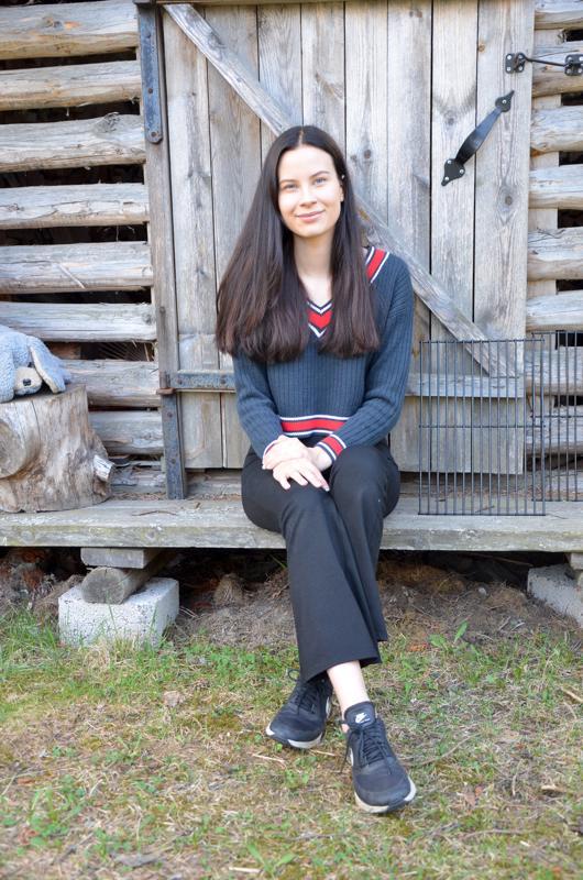 Lukiourakka valmis. Himankalainen Lauriina Korpi haaveilee kasvatustieteen opinnoista Oulun yliopistossa.