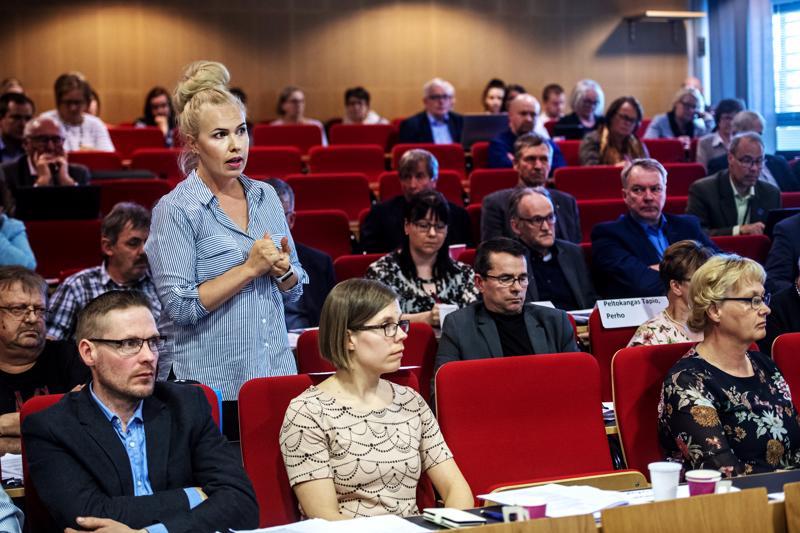 Anna Nurmi-Lehto oli ymmällään siitä, että säästöjä tehdään tietämättä, mitä kustannukset ja luvut ovat.