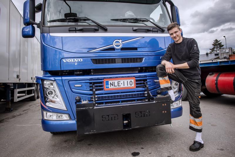 Kuorma-autot ovat yhdistelmäajoneuvonkuljettaja Didrik Kinnarin sydäntä lähellä.