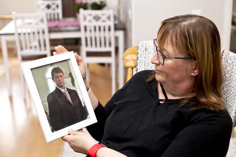 Ari Ylitalo oli kuollessaan vain 46-vuotias. Jaana Ylitalo antaisi kaiken pois, jos saisi miehensä takaisin.