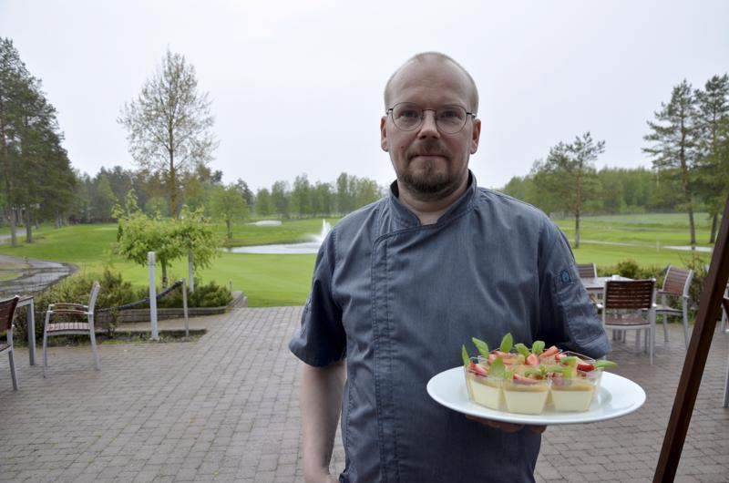 Jani Kettunen haluaa panostaa palveluun uudessa ravintolassaan Kokkolan Golfin klubirakennuksen tiloissa.