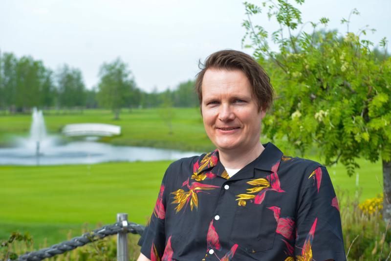 Kokkola Golfin toiminnanjohtaja Janne Vähäkangas viettää tulevan viikonlopun töiden merkeissä.