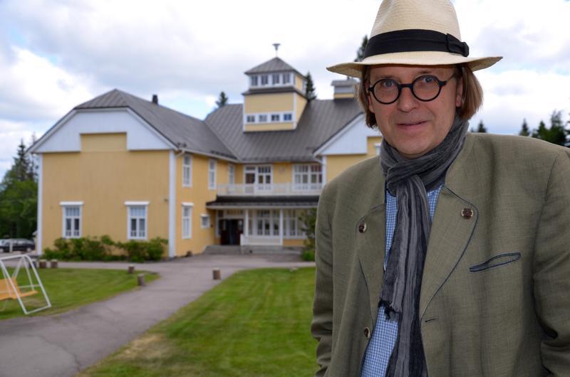 Jukka Hautalan uutuuskirja keskittyy sanoihin ja niiden merkityksellisyyteen.