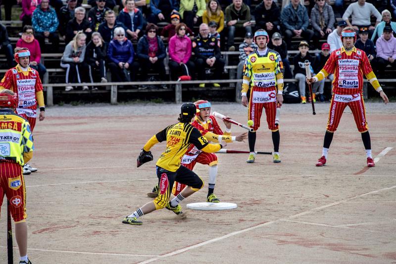 Ylivieskan Kuula ja Kannuksen Ura pelaavat kauden toisen paikallispelinsä ykköspesiksessä. Lauantaina pelipaikkana on Ylivieska.