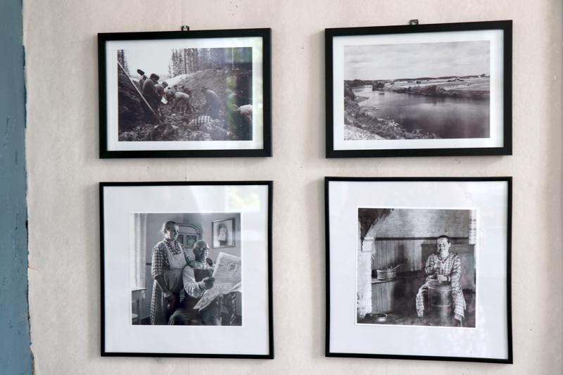 Heikki Klemin ja Margit Nikulan kuvien ajankaari ulottuu 1930-1960-luvulle.