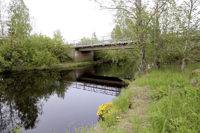 Kivelän silta Oksakoskella.