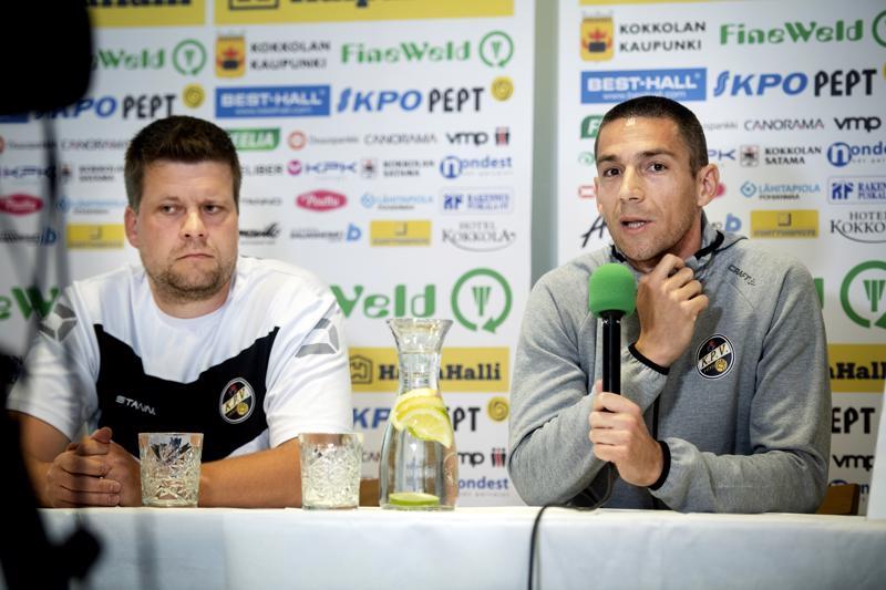 Uutta putkeen. Päävalmentaja Niko Kalliokoski ja puolustaja Milos Josimov janoavat toista voittoa Veikkausliigassa Interin kustannuksella.