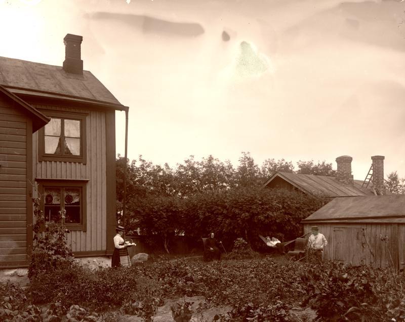 Tältä näytti Silfverbergin talo vielä 100 vuotta sitten.
