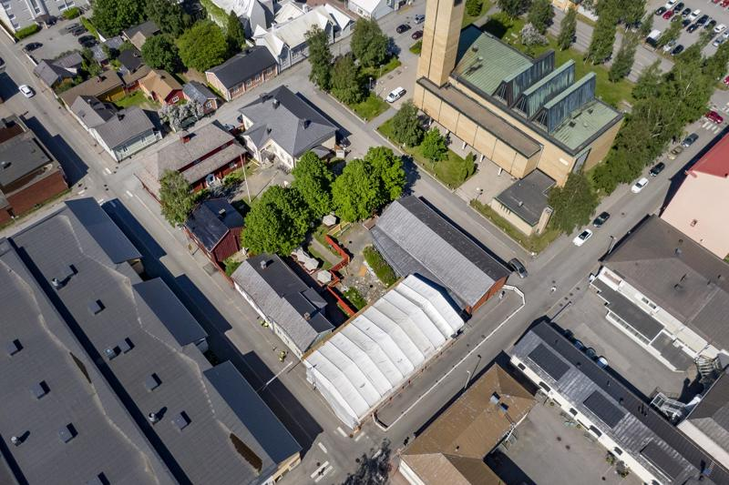 Museokorttelia rajaavat Pitkänsillankatu (vasemmalla), Pieni  kirkkokatu sekä Läntinen kirkkokatu (ylhäällä) ja Itäinen kirkkokatu. Vasemmalla alhaalla Kiepin talo, siitä ylöspäin Forsnabban leipomo, Lassanderin talo, Pedagogio ja historiallinen museo, näyttelyhalli ja oikealla alhaalla Kiepin uudempi osa.
