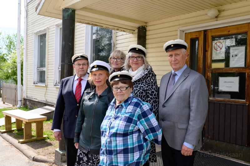 Tapaamiseen osallistuneet. Ylärivi vasemmalta: Marita Koskela, Anne-Maria Immonen, Kalevi Varila. Alarivi vasemmalta: Pasi Vesisenaho, Liisa Anjum, Hanna-Leena Lehtola.