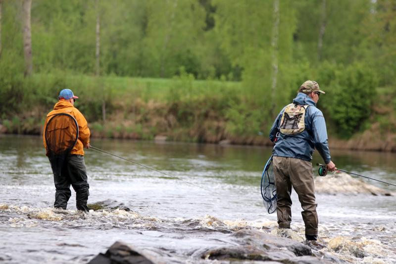 Jesse Lehto ja Mika Yli-Soini arvostavat alueemme luontoa ja vesistöjä.