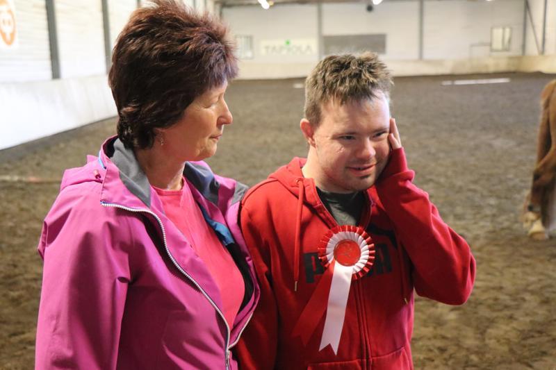 Mirja Mastokankaan mukaan Janne tykkää ratsastamisesta yli kaiken.