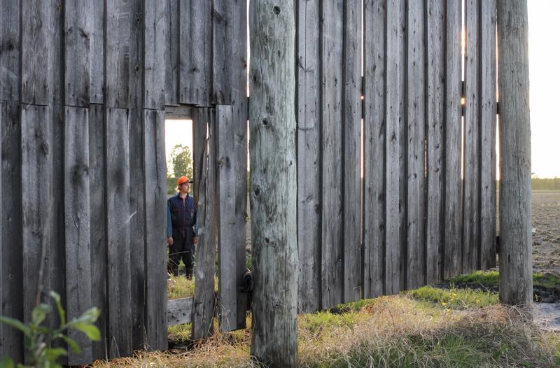 FULL PULL, Woyzeck ammentaa Juho Uusitalon kasvumaisemasta Haapaveden Aittokylällä.