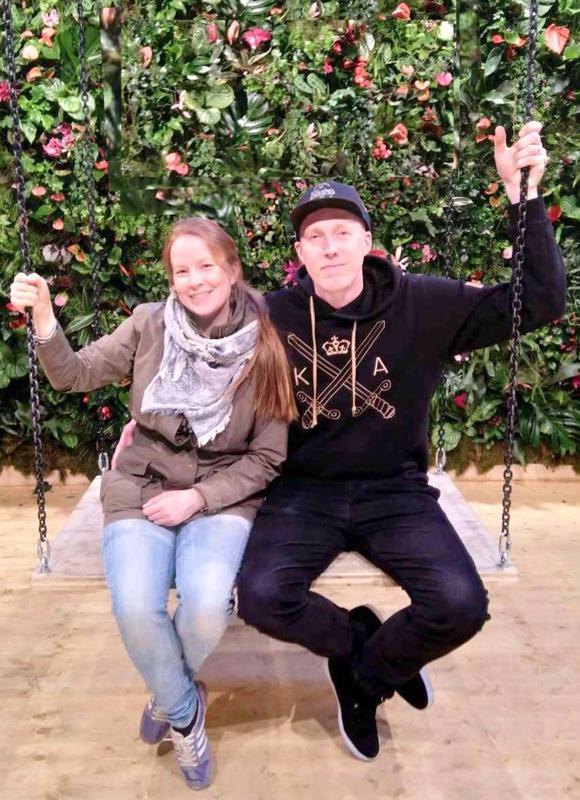 Jonna Kastell-Klapuri ja Esa Klapuri kuvasivat Juhlaton kevät -musiikkivideon Berliinissä.