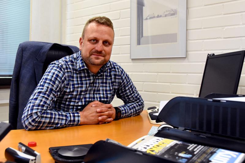 Antti-Jussi Vahteala toivoo, että käänteinen budjetti auttaa Haapaveden päättäjiä löytämään keinot kaupungin talousongelmien korjaamiseen. Säästää pitäisi vuodessa pari miljoonaa euroa.