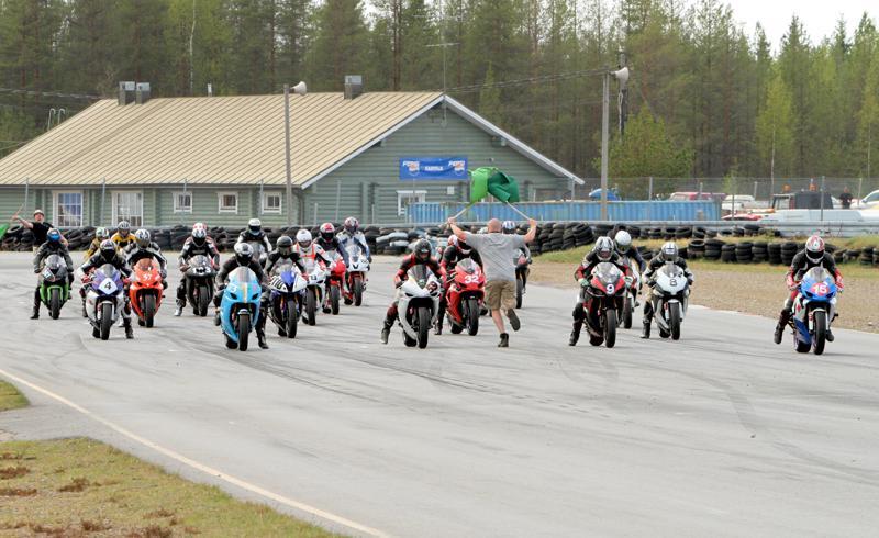 Tulevana viikonloppuna kemoralla kilpaillaan ratamoottoripyörien SM-sarjaa. Arkistokuva.