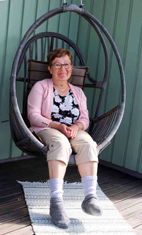 Ystävät kehottivat Ulla Vähäkuopusta ottamaan kesällä rennosti, mutta se vaatii Ullan mukaan vielä vähän totuttelua.