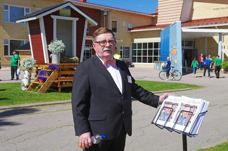 """""""Teippimies"""" Tuomo Haikola toimii juhlien ravintolapäällikkönä."""