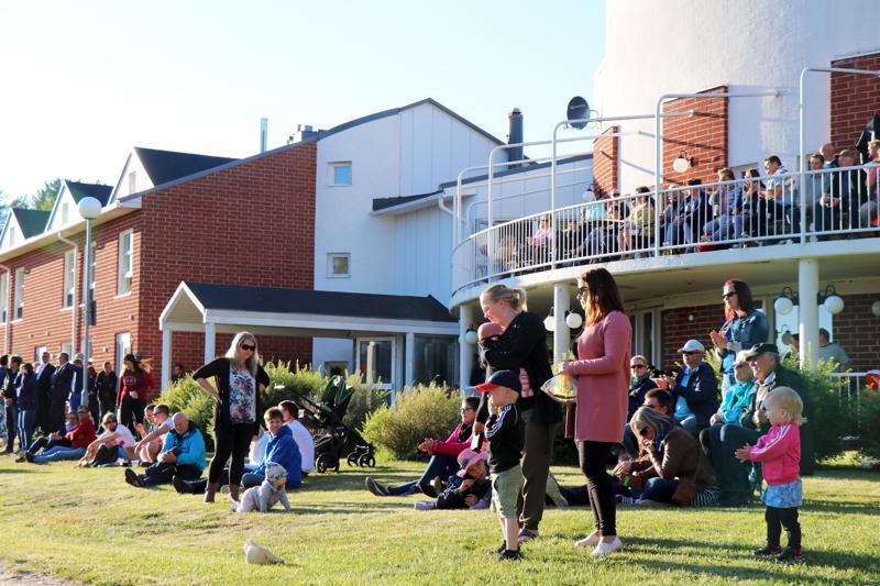 Aurinkoinen sää suosi tapahtumaa, jossa oli kaikenikäistä yleisöä.