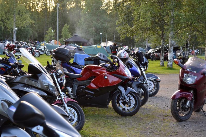 Motoristeja kokoontuu Pyhäjärvelle viikonloppuna perinteisen tapahtuman merkeissä.