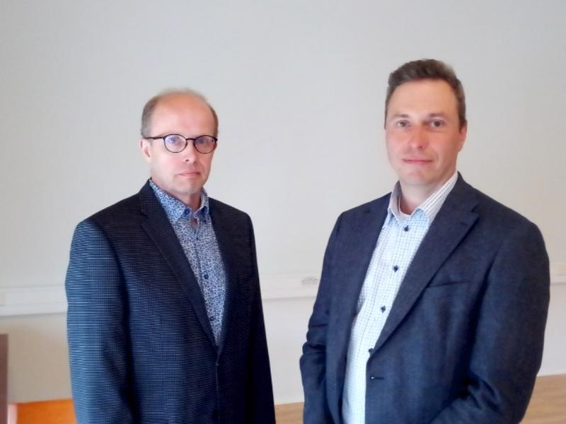 Olli Rosenqvist ja Timo Pärkkä ovat tutkineet suurhankkeiden vaikutuksia Kaustisen seutukunnan talouteen.