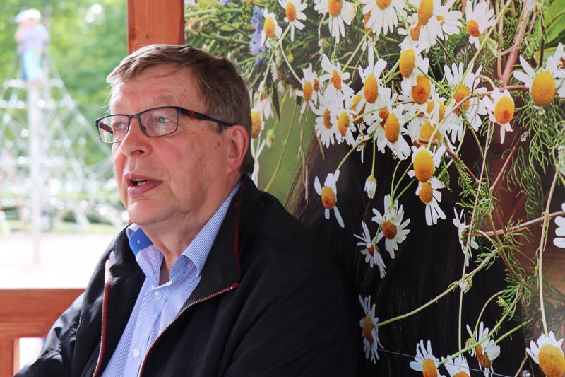 Raimo Aspfors on julkaissut kirjan Paholainen poistui pappilasta.
