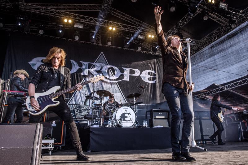 Europe esiintyi Pietarsaaren Open Air -tapahtumassa perjantaina.