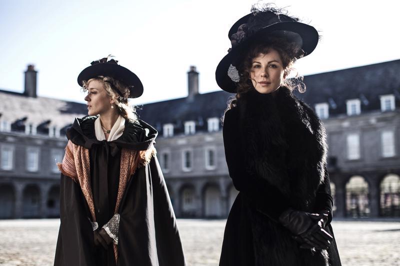 Kate Beckinsale ja Chloë Sevigny punovat romanttisia juonia.