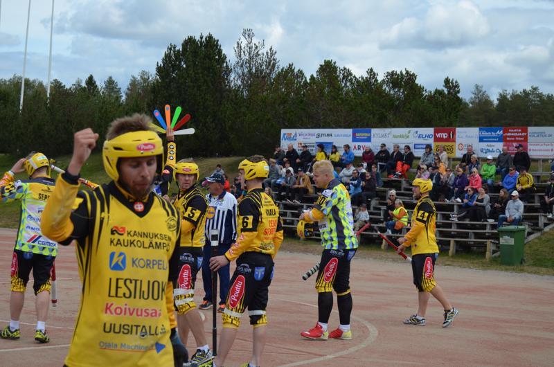 Tästä se lähti. Uran Miro Märsylän kiiti kotipesään ja toi Uran pussiin ottelun ensimmäisen juoksun Simoa vastaan käydyssä pelissä.