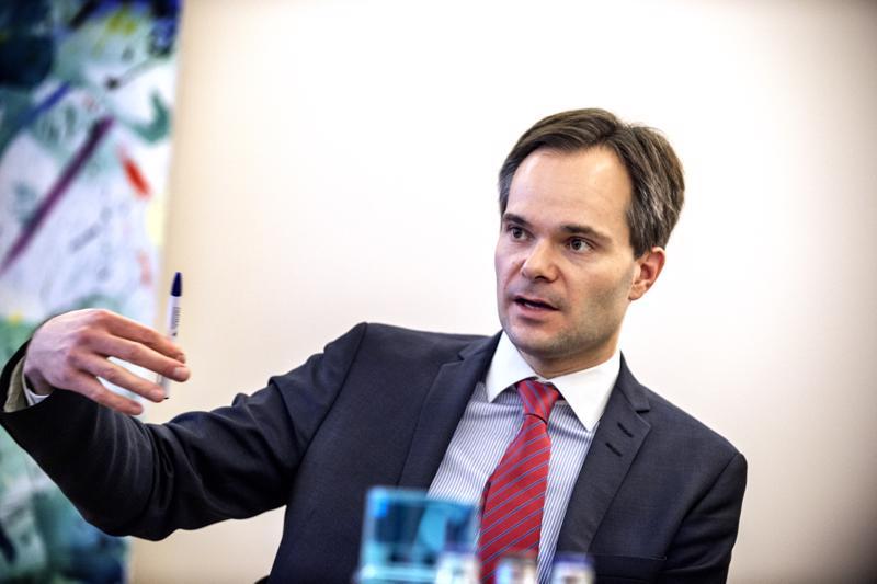 Kokoomuksen eduskuntaryhmän puheenjohtaja Kai Mykkäsen mukaan Kokoomus tulee esittämään oman vaihtoehtonsa ratahankkeille syksyn varjobudjetissa.