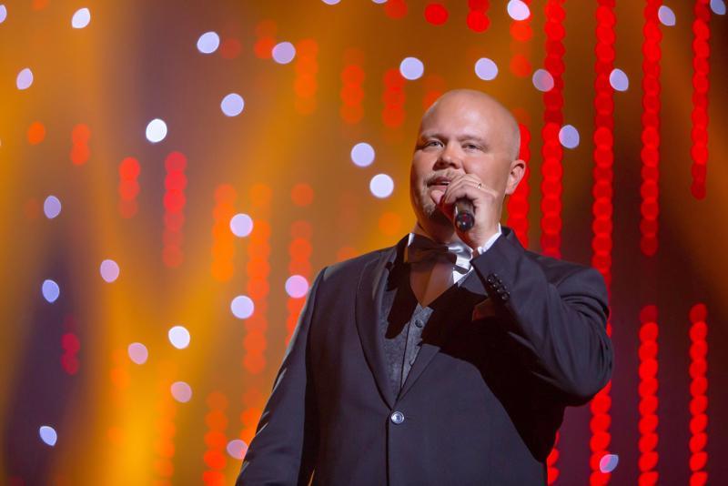 Ensikertalainen Johannes Vatjus lauloi itsensä tangokuninkaalliseksi Seinäjoen Tangomarkkinoilla.