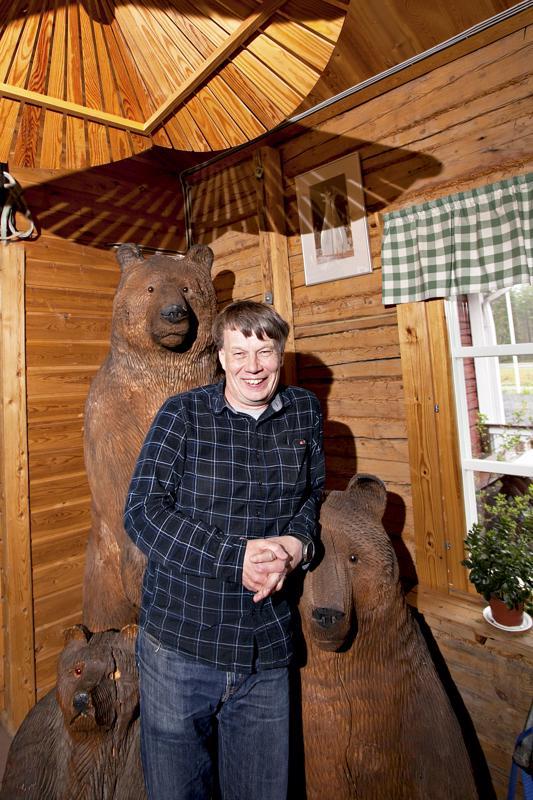 Kari Seikkula tuo Tapion Tuvalle joka vuosi jotain uutta, vaikka perinteistä pidetään kiinni.