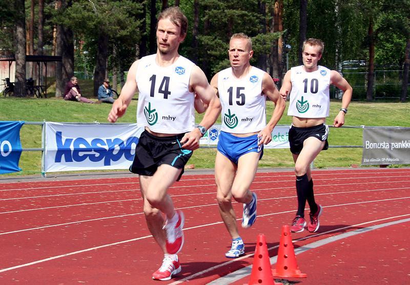 JuoksuCupin neljännessä osakilpailussa haapavetistä juoksuvoimaa edustivat Jyrki Oksa, Pekka Raudaskoski ja Jukka Hänninen.